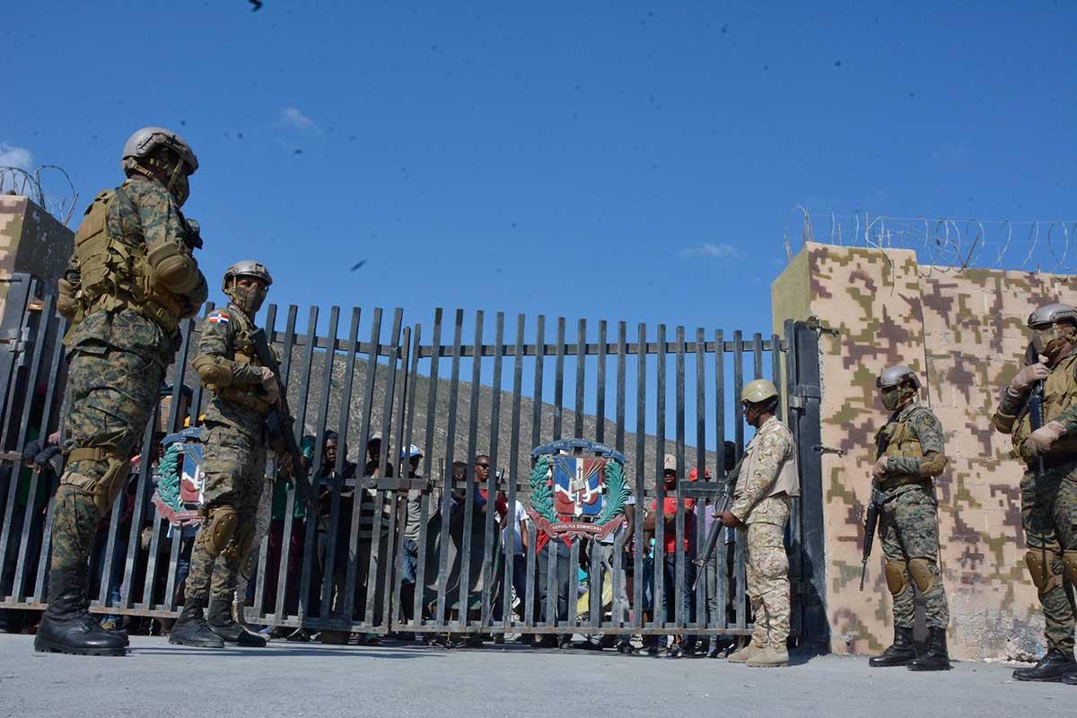 RD cierra su frontera con Haití