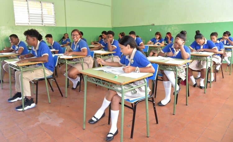 Filial ADP califica año escolar de  desastroso