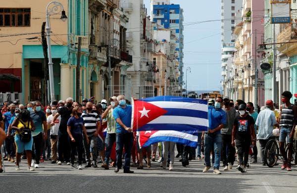 Inédita ola de protestas recorre Cuba al grito de ¡libertad!