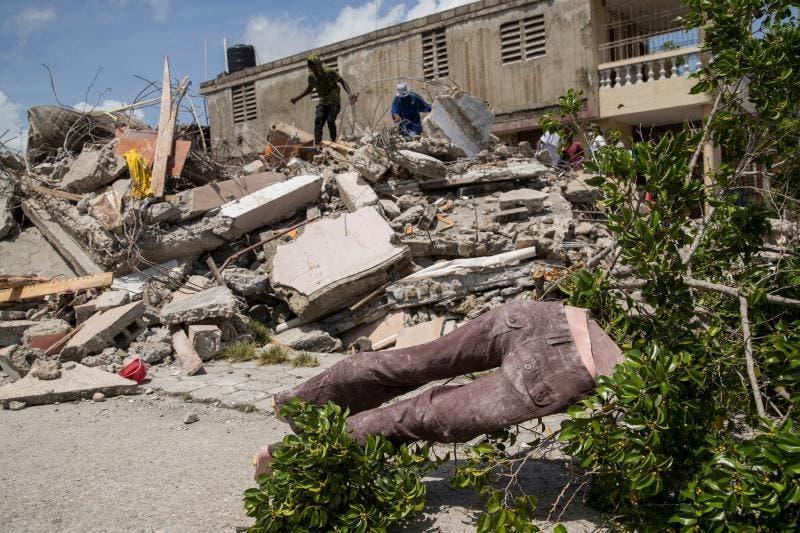 ONG denuncia que grupos paramilitares controlan el acceso a la ayuda en Haití