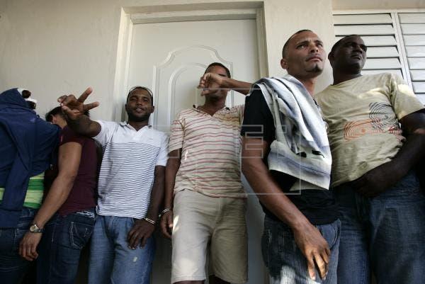 Rescatan 48 haitianos en viaje ilegal a Puerto Rico