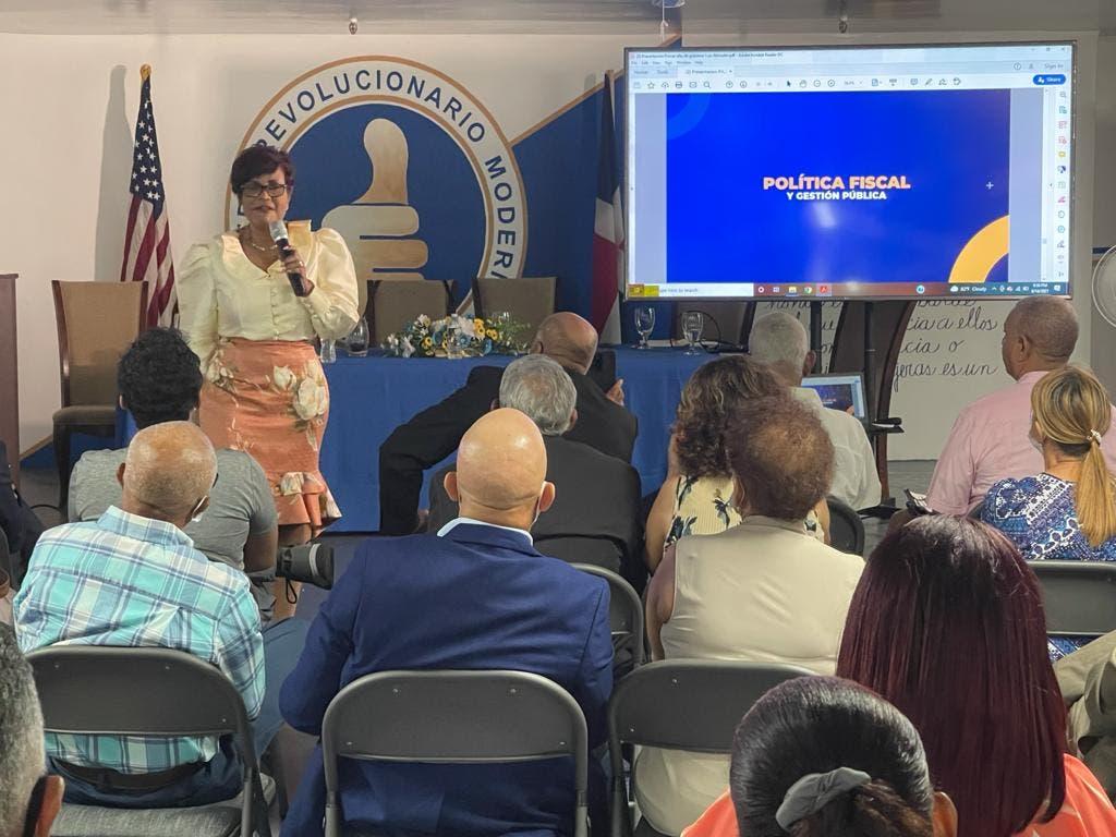 Josefa Castillo reconoce aporte económico de la diáspora