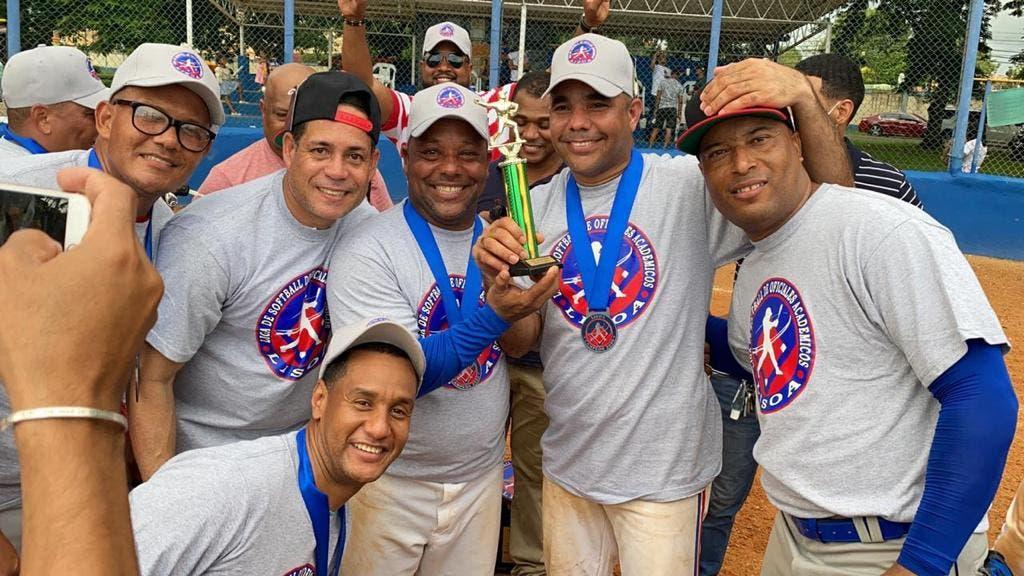 FF. AA. y Policía Nacional anuncian torneo de softbol