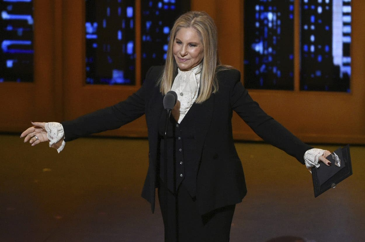 """Streisand hace remix de su pasado en """"Release Me 2"""""""