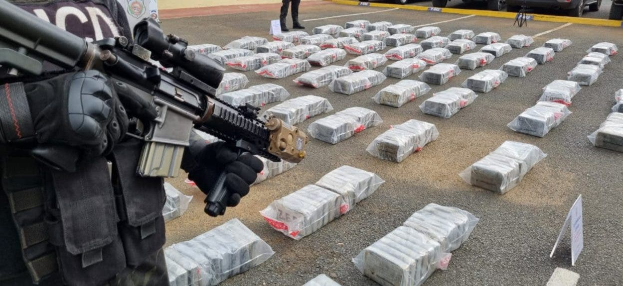Ocupan 900 kilos coca