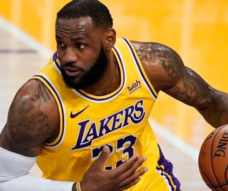 LeBron James ocupa el puesto número uno