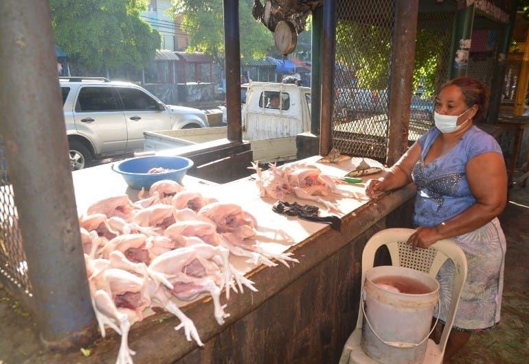 Precio pollo supera los 80 pesos libra