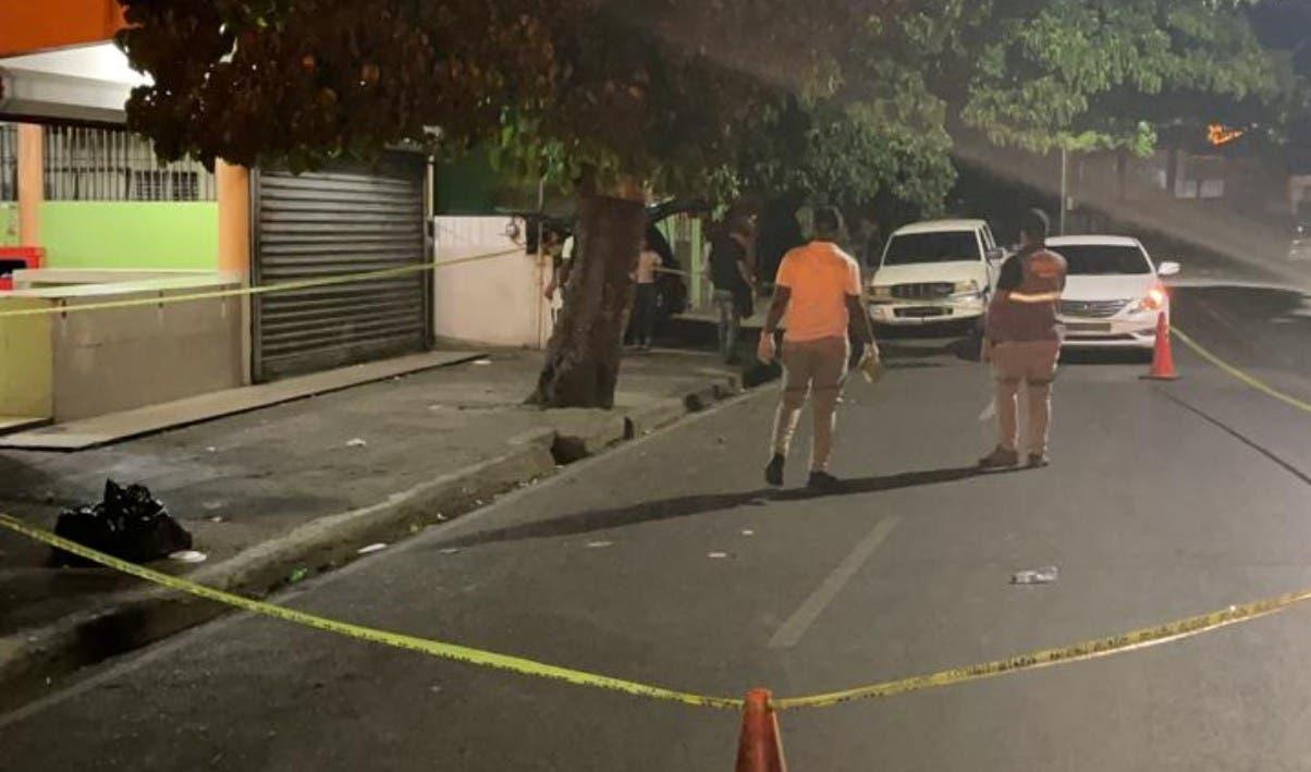 Policía mata dos alega asesinaron un cabo