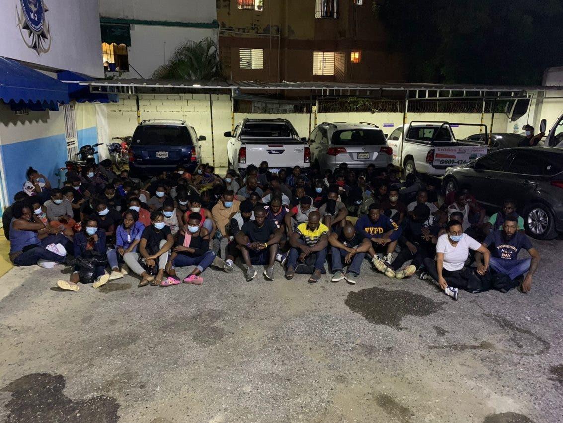 Apresan 97 haitianos viajarían en yola a PR