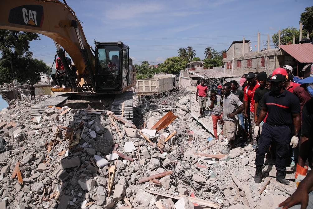 El terremoto del sábado en Haití ha causado más de un millar de muertos y decenas de heridos.