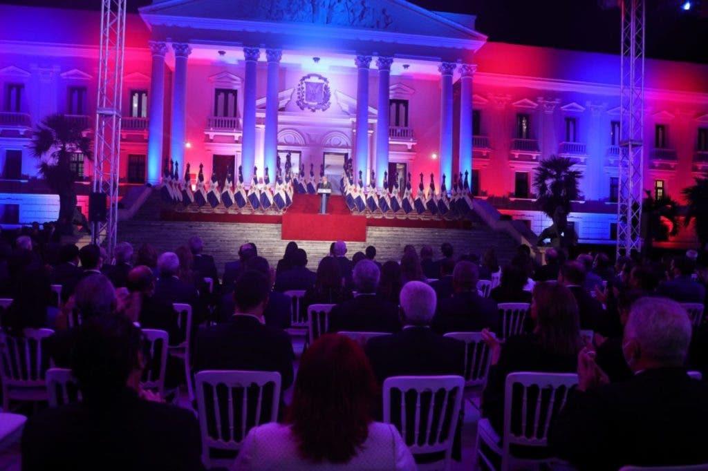 En la rendición de cuentas que hizo anoche el presidente Luis Abinader hizo la propuesta de convocar al liderazgo político y social para impulsar una serie de reformas.