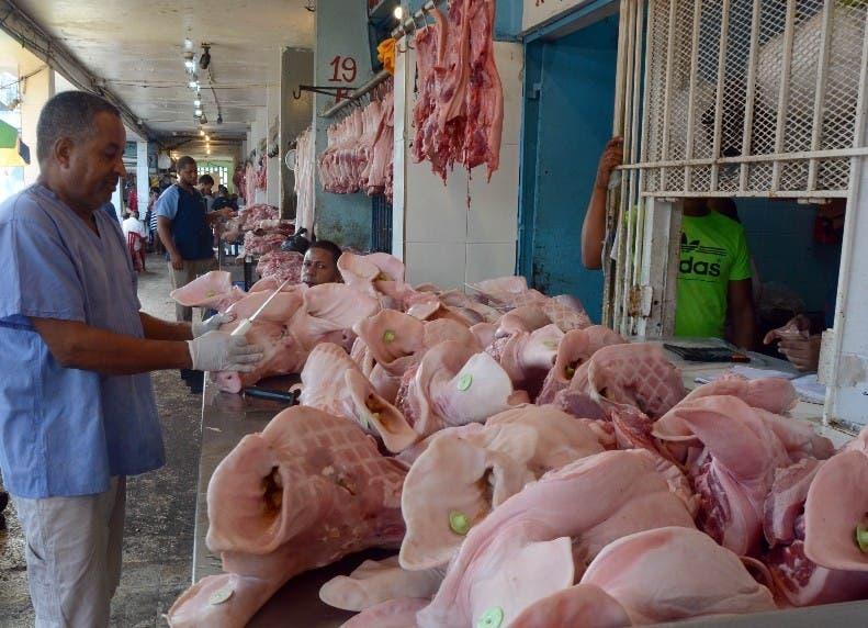 La carne de pollo ha alcanzado una gran demanda en los últimos días luego que se detectara en el país la peste africana.