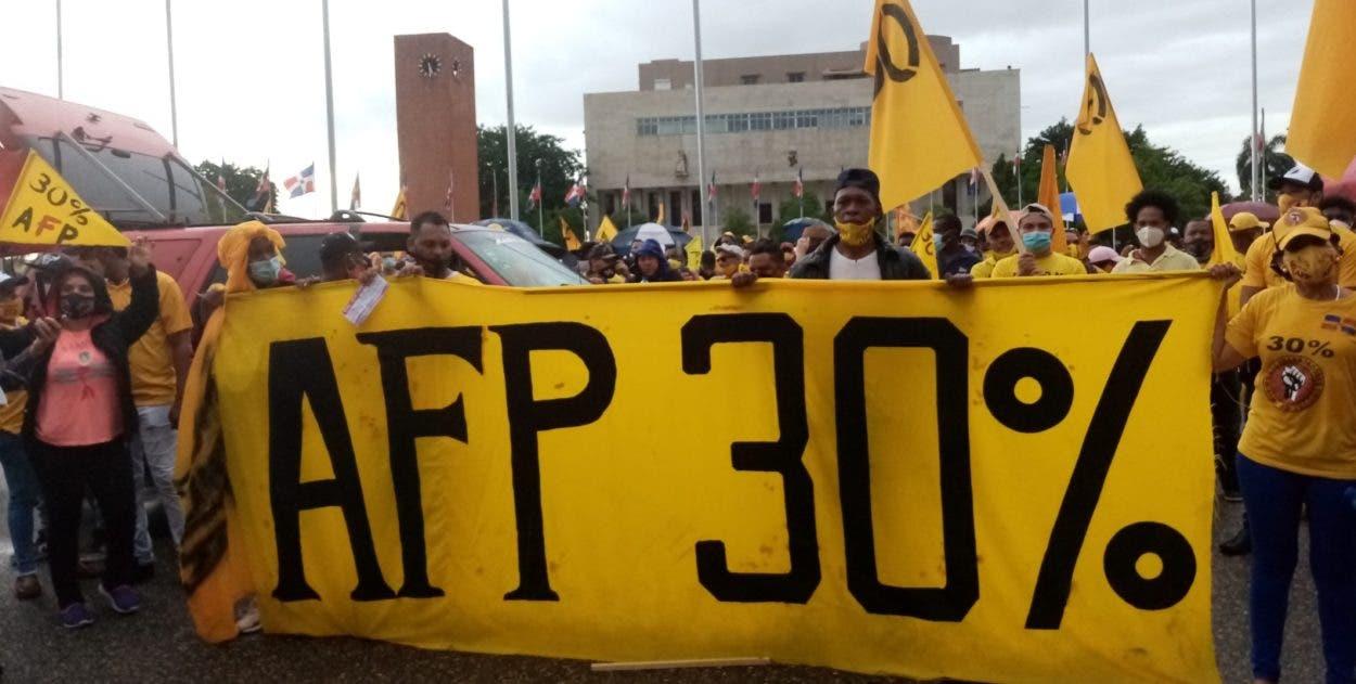 Botello augura apoyo a marcha por 30% AFP
