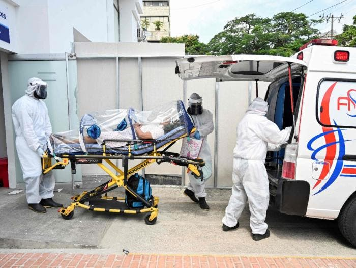 Colombia baja de 200 muertes diarias por covid-19
