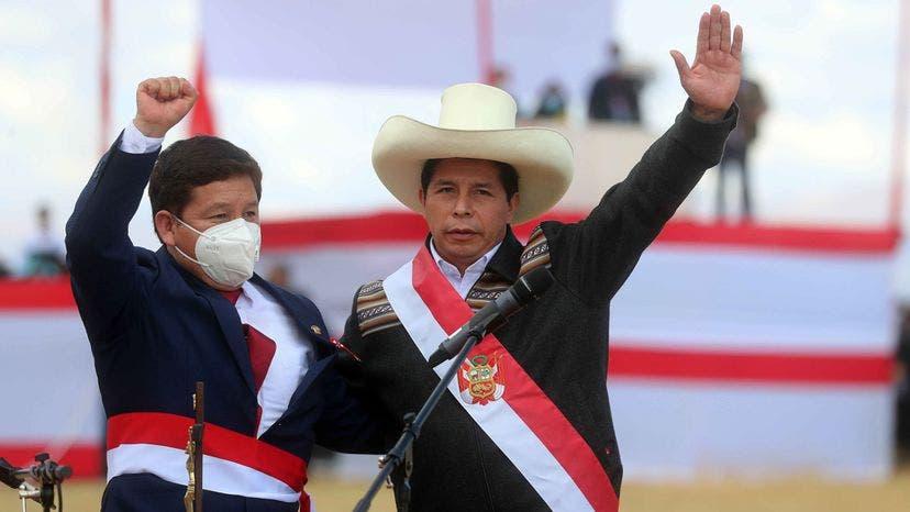 Presidente de Perú busca lugar para instalar su oficina