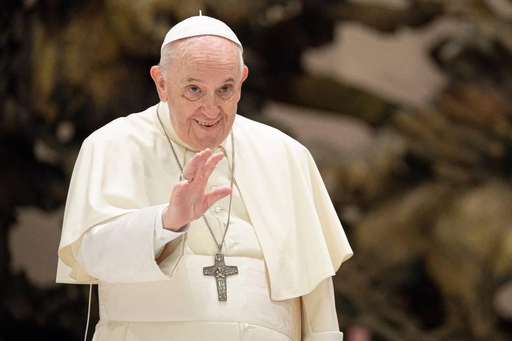 Papa apoya leyes civiles para las parejas homosexuales