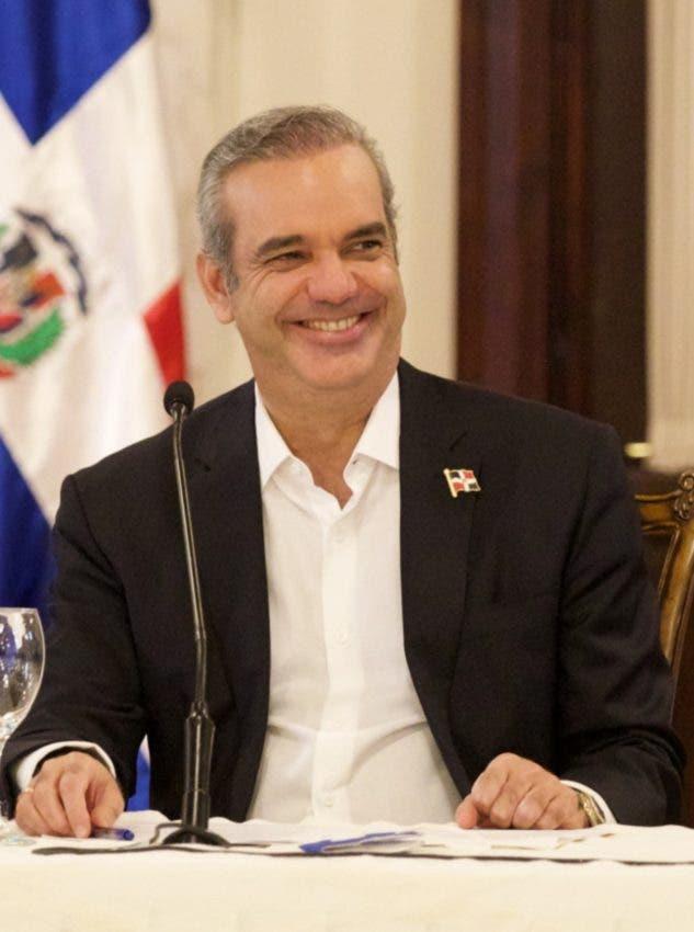 Abinader desarrolla agenda en Santiago