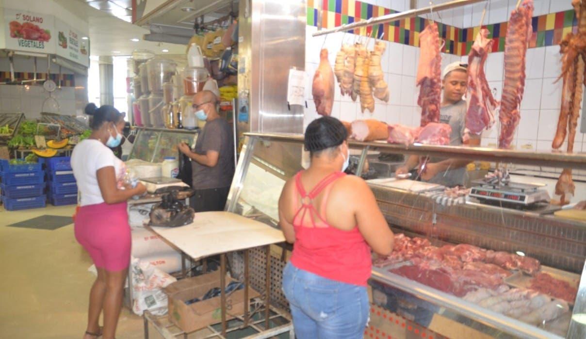 Pollo continúa caro; escasea en mercado