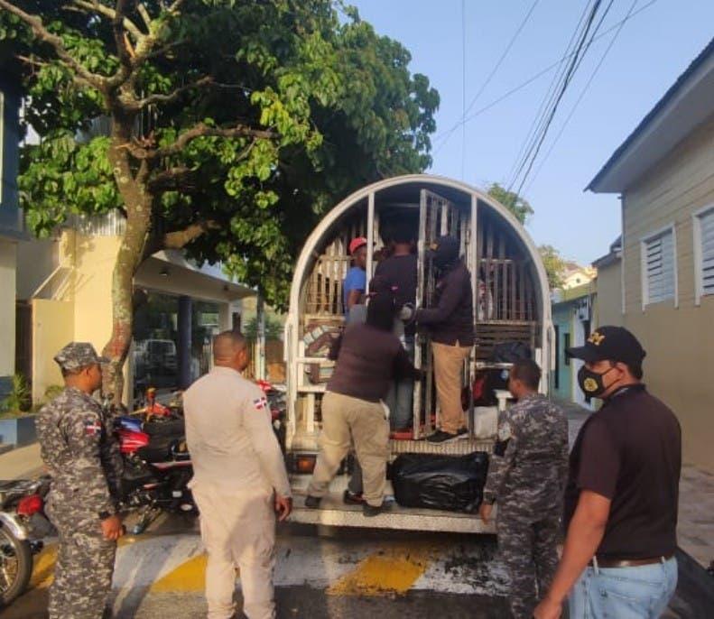 Apresan otro grupo de 23 haitianos ilegales