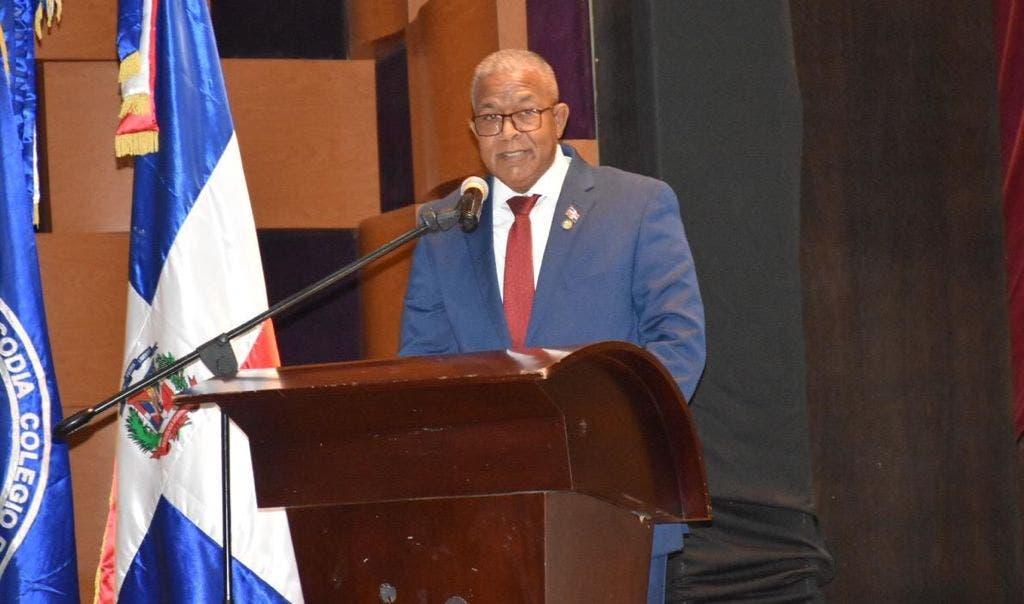Presidente Codia dice integrarán sus técnicos para erradicar  fiebre porcina