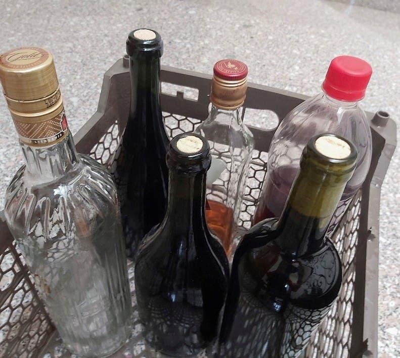 Mueren otros 2 con alcohol adulterado