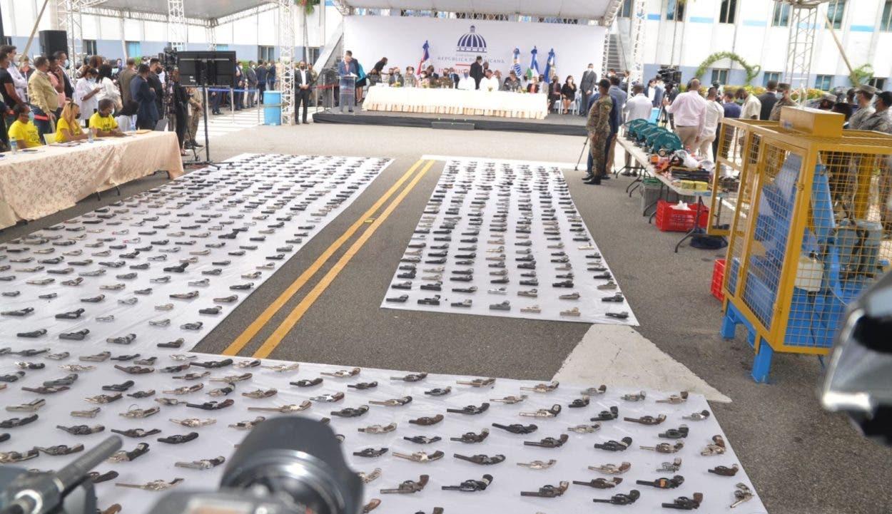 Harán monumento con armas destruidas