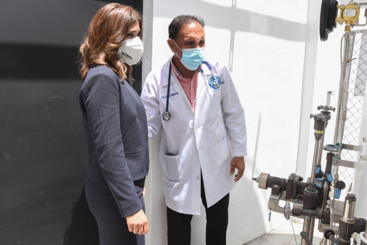 Donan oxígeno a clínica Cruz Jiminián