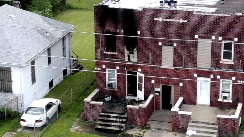 Mueren 5 niños en incendio en su casa en Illinois