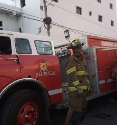 Investigan causas incendio clínica LR