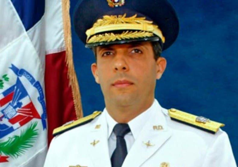A la lista de funcionarios cancelados le siguió el director del Cuerpo Especializado de Seguridad Turística (CESTUR), Juan Carlos Torres Robiou, destituido luego de que fuera mencionado en la Operación Coral.