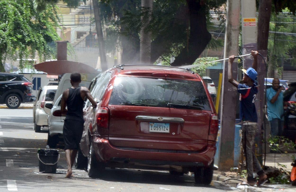 Lavaderos informales se propagan por el GSD