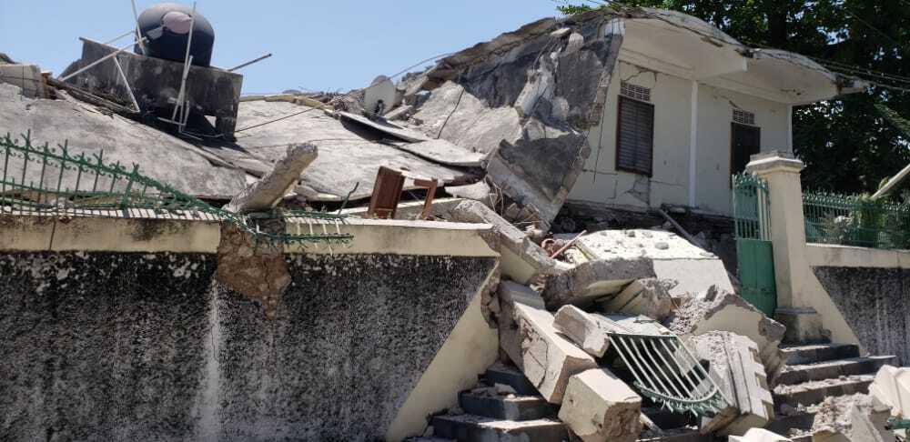 Papa pide la ayuda y solidaridad con Haití