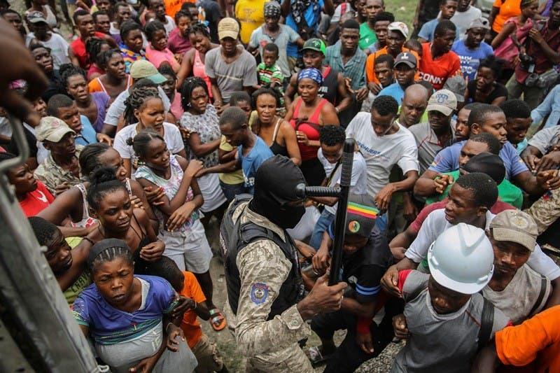 Crece tensión Haití por lentitud con llegada ayuda