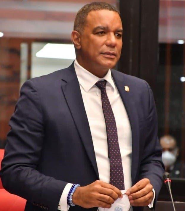 Dice Senado seguirá legislando a favor dominicanos
