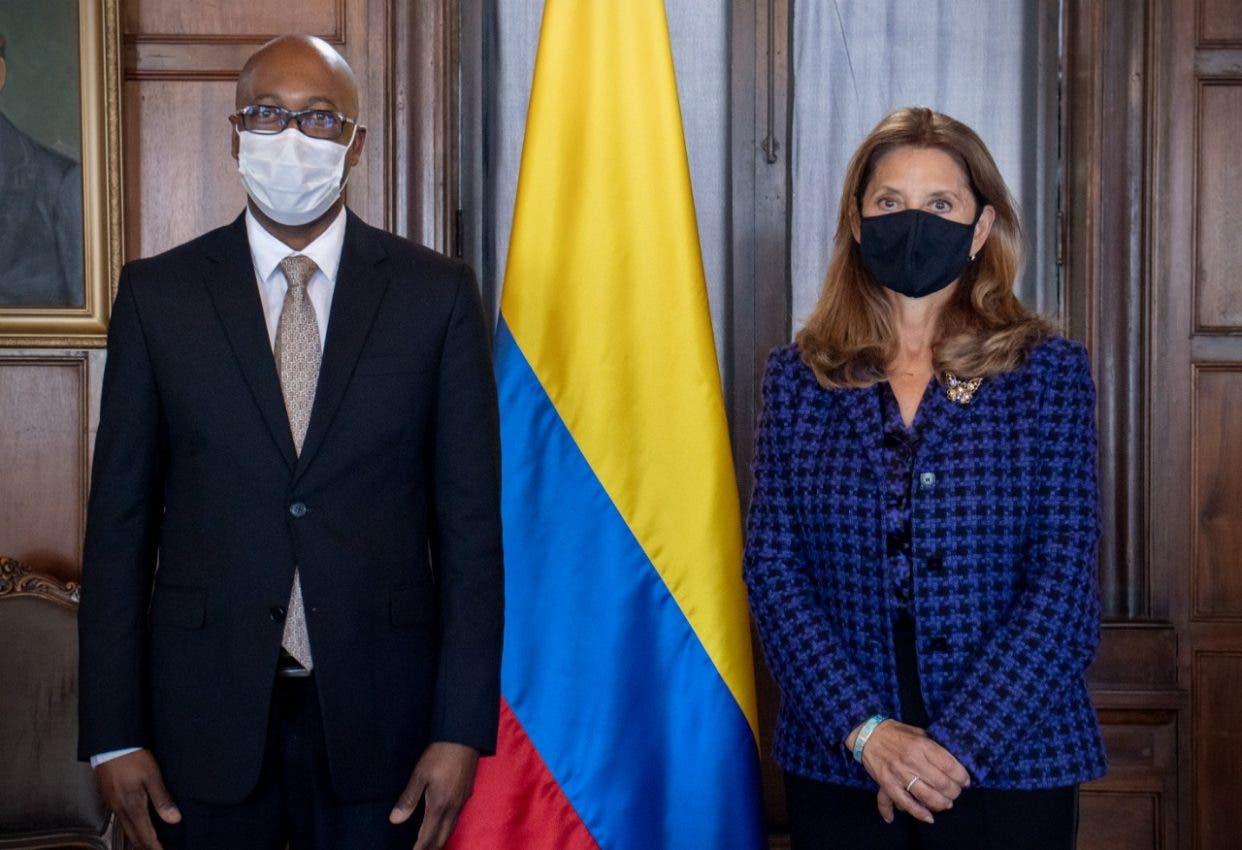 Colombia no permitirá se vincule con mercenarios