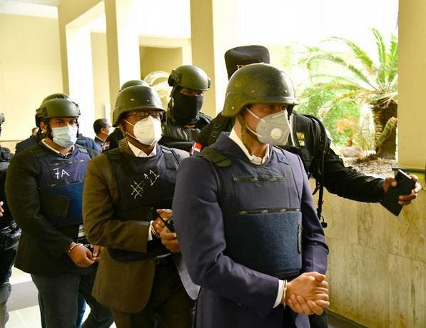 Confirman prisión preventiva al mayor general Adán Cáceres