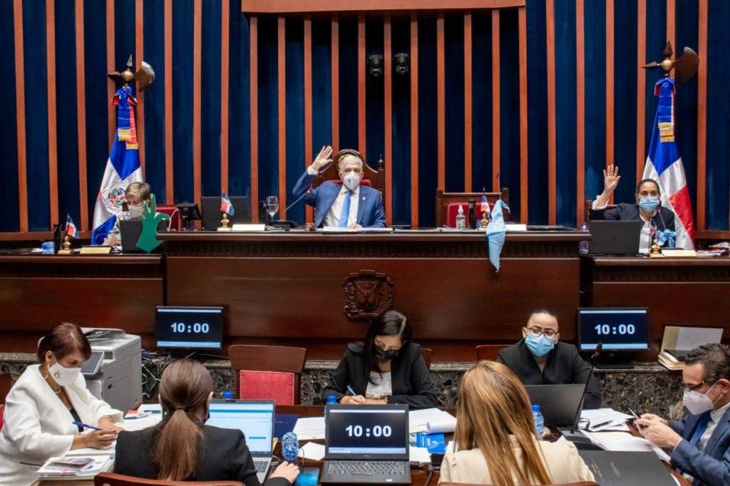 El Senado  aprobó la resolución que autoriza al Poder Ejecutivo prorrogar por 45 días el estado de emergencia en todo el territorio nacional a partir del 28 de agosto del año en curso, para evitar los contagios del covid-19.