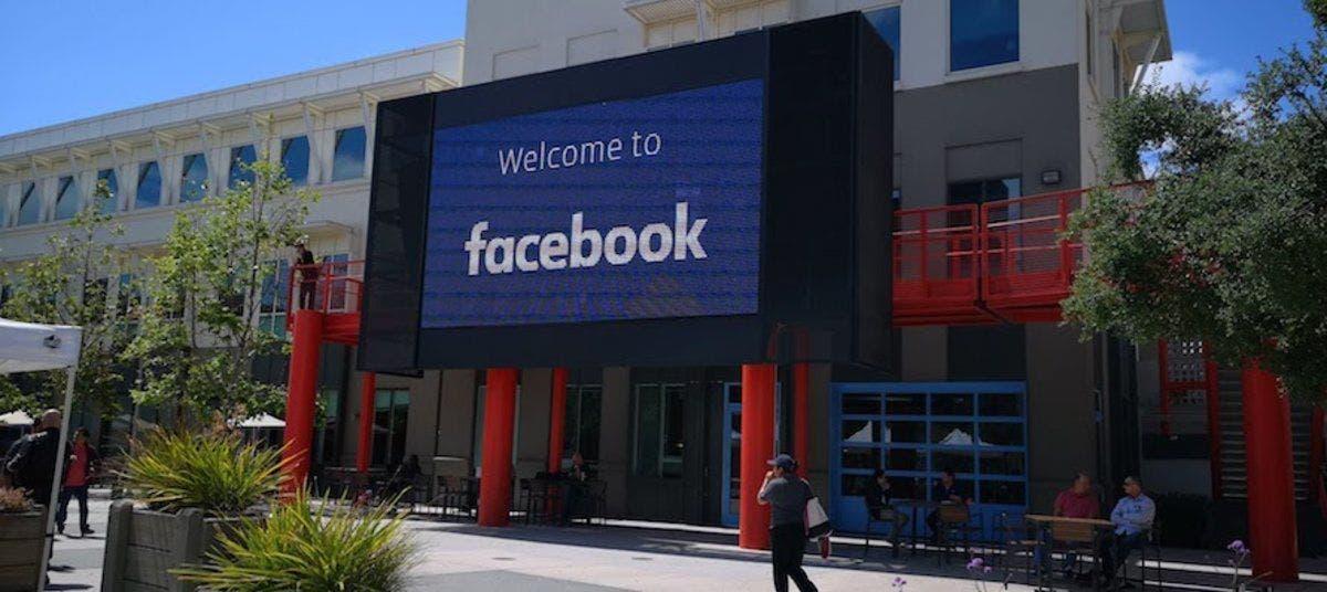 Facebook retrasa el regreso a la oficina hasta 2022
