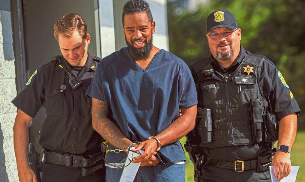 Expitcher de Piratas, condenado a 2 años de prisión