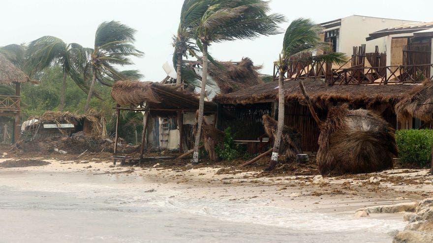 Grace se fortalece y deja Yucatán rumbo a costa continental