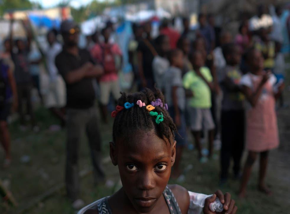 Haití eleva a 2.207 la cifra de muertos por el sismo