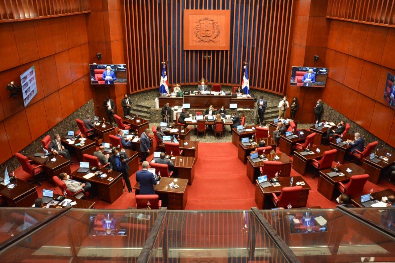 Impiden labor de periodistas en el Senado