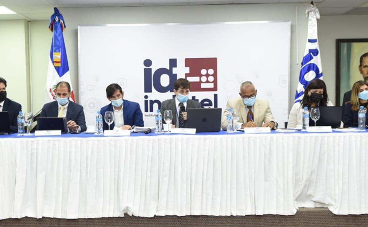 Indotel recibe ofertas de licitación red 5G