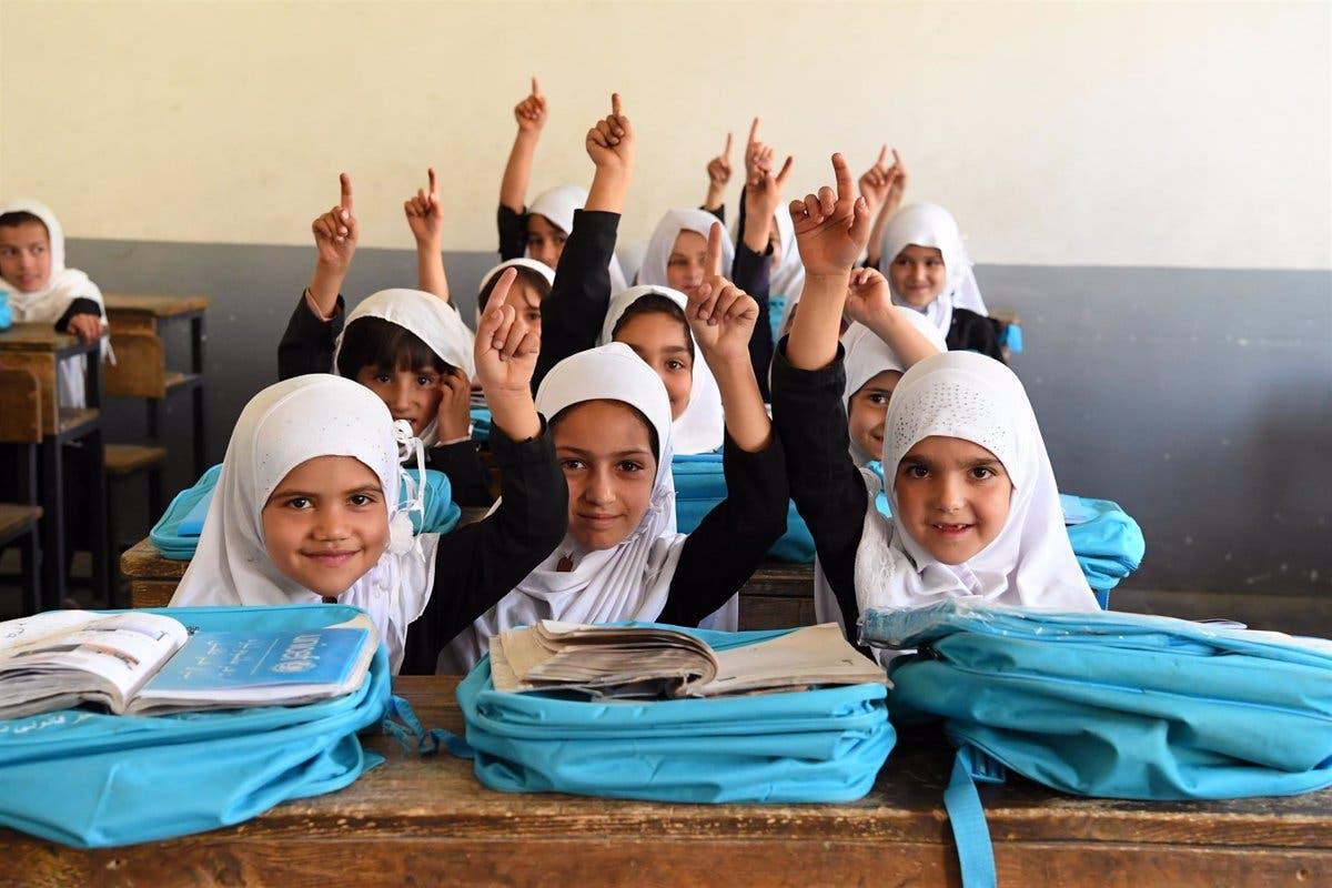 Unesco pide no haya trabas a educación niñas afganas