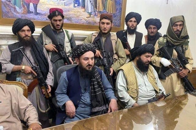 Talibanes piden apoyo internacional para reconstruir economía afgana