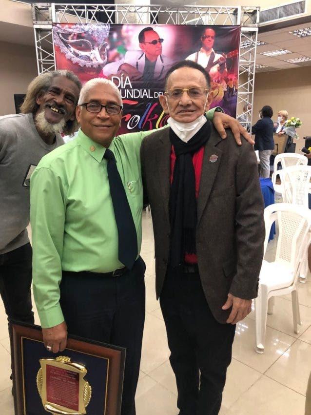 Reconocen folclorista nouelense José Montero