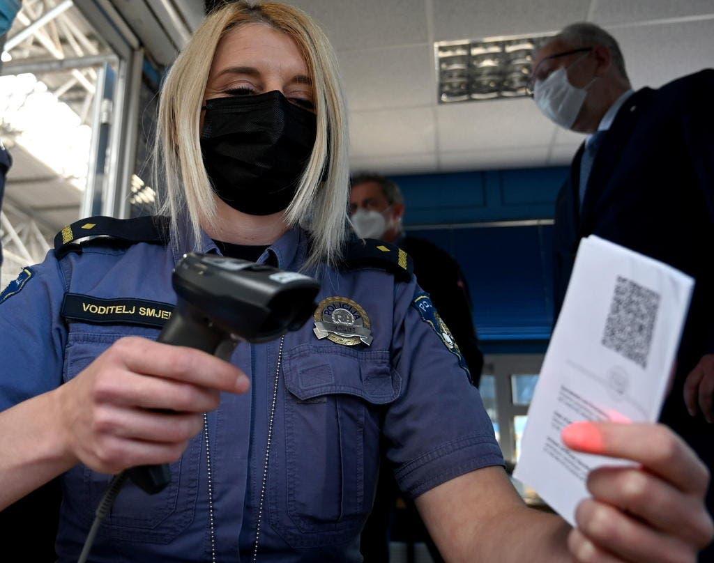 OMS: certificado de vacunación no debe ser condición para viajar