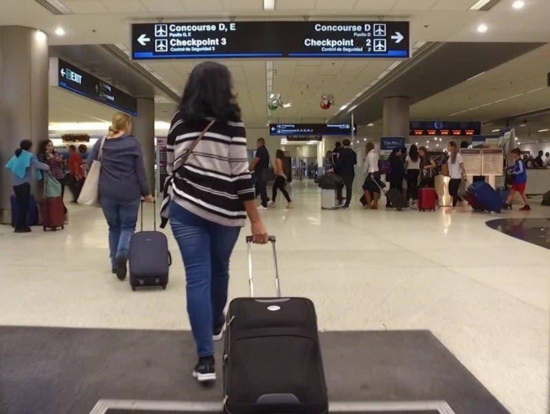 Buscan pasajeros vacunados puedan viajar a EU