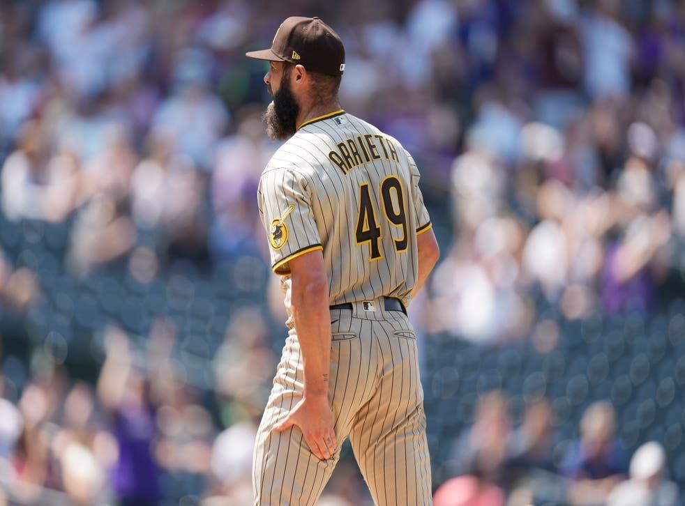 Rockies vapulean a Arrieta, en su debut con Padres