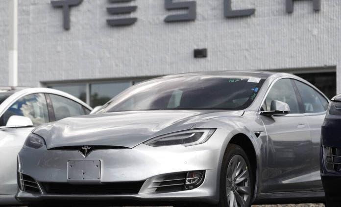 Senadores EEUU solicitan investigar a Tesla